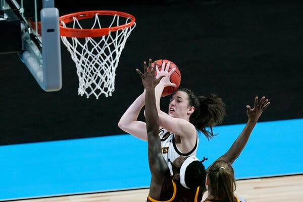 If Caitlin Clark and Iowa can get past Kentucky in the second round, they could get a matchup against UConn.
