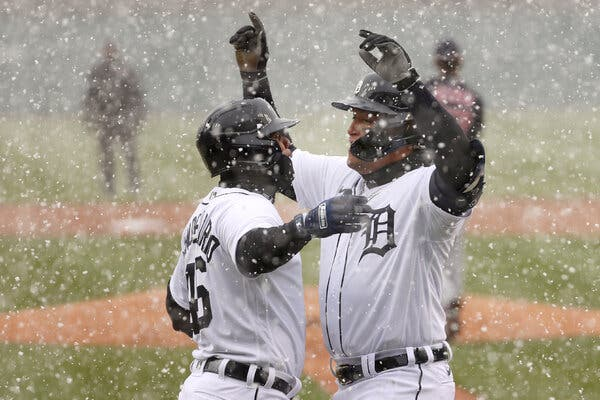 Miguel Cabrera of the Detroit Tigers celebrated his first-inning two-run homer as snow fell in Detroit.