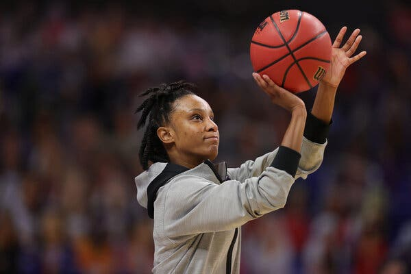 Kiana Williams of Stanford warming up before the game.