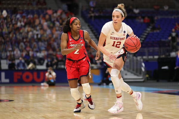 Lexie Hull had 4 points for Stanford in the first quarter.