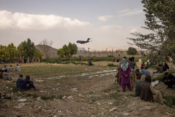 A C-17 military transport plane landing at the international airport in Kabul on Sunday.